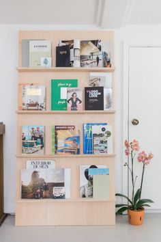 west elm - Mid-Century Tulsa Home With Open Floor Plan Logo Design Love, Bookshelves Kids, Minimal Home, Retro Home Decor, Scandinavian Home, Mid Century House, Commercial Interiors, Interiores Design, Home Decor Accessories