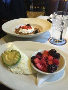 egg-white omellete w/ avocado