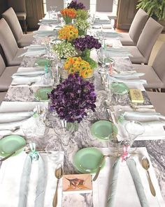 Martha Stewart Easter Table, imagine having this flower budget! Outdoor Table Settings, Easter Table Settings, Martha Stewart Christmas, Beautiful Table Settings, Easter Colors, Reception Party, Simple Colors, Purple Wedding, Easter Celebration