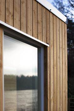 Def prefer vertical cladding at opposed to horizontal Larch Cladding, House Cladding, Exterior Cladding, Detail Architecture, Timber Architecture, Wooden Facade, Modern Shed, Barn Renovation, Wood Siding
