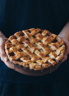 Perfect Caramel Apple Pie