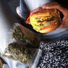 marijuana,natural-We hope everyone had a chill day 💚🍔 weed marijuana natural earth nature peace love hamburger burger food munchies chil Weed Recipes, Alcohol Is A Drug, Smoking Weed, Eat Right, Cannabis, Medical Marijuana, Hamburger, Food Porn, Yummy Food