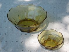 """Two Vintage Amber Scalloped Edge Serving Bowls 8"""" & 4½"""" Diameters #DH42"""