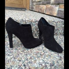 Ralph Lauren suede ankle booties. Sz.7 These are stunning!. Worn only one time. But the suede does have a few scuffs as shown on photo. But I'm sure it's something that can be fixed. Beautiful rounded toe and a chunky heel. Ralph Lauren Shoes Ankle Boots & Booties
