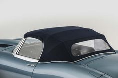 1968 Jaguar Series 1 E Type XKE 4.2 Litre Drop Head Coupe Roadster in Opalescent Silver Blue 0003