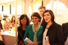 Présence de Najat Vallaud-Belkacem au Forum de la Mixité 2013. Corinnes Visse (à Gauche) Responsable évènement client et développement relationnel chez AG2R LA MONDIALE et sa collaboratrice.