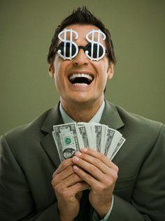 10 Formas de ganar dinero en internet. Para saber como ganar dinero con un blog, en http://albertoabudara.com/1118/como-ganar-dinero-rapido/ encontrarás muchas sugerencias e ideas.