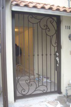 Puertas y ventanas casa on pinterest puertas sliding for Modelos de puertas de metal para casas