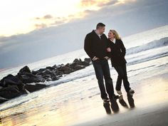 Engagement Photo Ideas: 10 Posing Tips from the Pros
