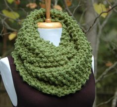 Chunky Hand Knit Infinity Scarf Green Wool Blend Womens Winter Scarf