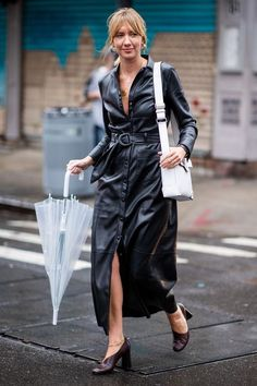From pyjama sets to double denim, the chicest street style looks from New York Fashion Week New York Fashion Week Street Style, Street Style Blog, Looks Street Style, Street Style Trends, Autumn Street Style, Street Style Women, Street Fashion, Fall Fashion, Fashion Ideas