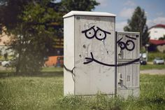Street art is fun! The world needs more street art! Street Art in Olsztyn, Poland. By Adam Łokuciejewski 2 3d Street Art, Street Art Utopia, Best Street Art, Amazing Street Art, Street Artists, Amazing Art, Usa Street, Street Art Banksy, Rain Street