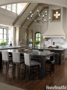 Elegant Kitchen. October 2014. Design: Robert Brown
