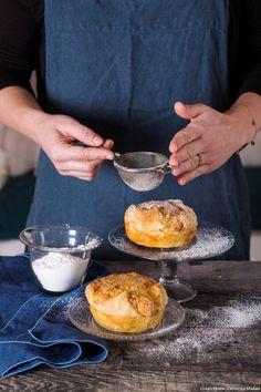 Gâteau feuilleté aux amandes Une création inspirée de la torta russa, l'un des desserts les plus connus de Vérone. Le principe ? Une recette de gâteau aux amandes enveloppé dans une pâte feuilletée.