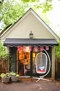 This particular image (awesome she sheds and why you need one too craft shed she Shed Salon Ideas) preceding is actually labe Cabana, Craft Shed, Craft House, Dubai Miracle Garden, Magic Garden, Backyard Studio, Home Salon, House Ideas, Woman Cave