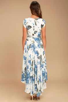 Take a jaunt through the gardens with the French Countryside White Floral Print High-Low Dress! Floral print high-low dress with a surplice bodice and cute cap sleeves. Casual Dresses For Teens, Comfy Dresses, Summer Dresses, Wrap Dresses, Bride Dresses, Countryside Dress, French Countryside, Lemon Print Dress, Cute Caps