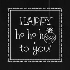 Zwart wit kerstkaart met schoolbord print. Daarbij kaders en kerstbal ornamenten in krijtlijn. Verkrijgbaar bij #kaartje2go voor €1,89