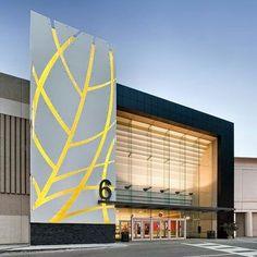 Fachada linda com esse super painel todo em alumínio. Projeto Petroff Partnership Architects.