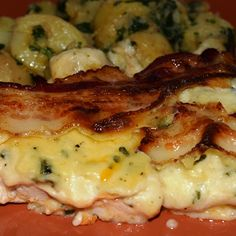 Egy finom Bazsalikomos rakott csirkemell ebédre vagy vacsorára? Bazsalikomos rakott csirkemell Receptek a Mindmegette.hu Recept gyűjteményében!