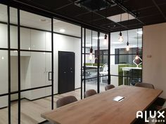 Kantoorwand met schuifdeuren Ramen, Divider, Windows, Doors, Ph, Furniture, Design, Home Decor, Ideas