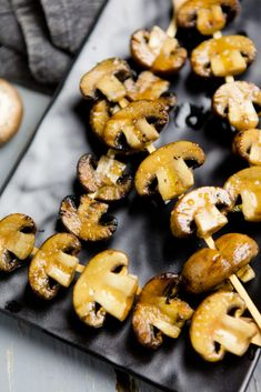 Balsamic-mushroom skewers from the grill - kitchen chaotin- Balsamico-Champignon-Spieße vom Grill – Kuechenchaotin Grilled balsamic and mushroom skewers – Grilled antipasti # Mushroom skewers # Egg-free # Grilling vegetables - Balsamic Mushrooms, Marinated Mushrooms, Stuffed Mushrooms, Grilling Recipes, Pork Recipes, Healthy Recipes, Snacks Recipes, Barbecue Recipes, Appetizer Recipes