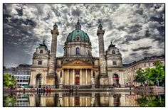 St. Charles's Church, Karlsplatz, Vienna, Austria. Our tips for things to do in Vienna: http://www.europealacarte.co.uk/blog/2010/07/28/the-best-of-vienna-travel-tips/