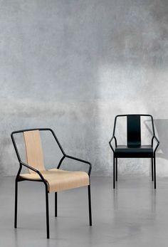 Dao Chair is a minimalist design created by Japan-based designer Shin Azumi.