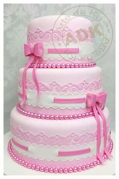 Pink, lace, & bows, cake