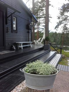 Musta kesäkotimme❤ Black House Exterior, Exterior House Colors, Barn House Design, Plan For Life, Weekend House, Cozy Cabin, Paint Colors For Home, Cottage Homes, House Painting
