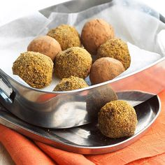 Dazzle your holiday guests with these Pumpkin-Spiced Gingersnap Truffles! More pumpkin recipes:  http://www.bhg.com/thanksgiving/recipes/pumpkin-recipes/?socsrc=bhgpin091713truffles#page=20
