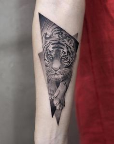 90 Tiger and Lion Tattoos That Define Perfection - Straight Blasted - by Aki Wong - Tiger Forearm Tattoo, Tiger Tattoo Small, Cheetah Tattoo, Tiger Tattoo Design, Forearm Tattoo Design, Tattoo Designs, Bull Tattoos, Forarm Tattoos, Head Tattoos