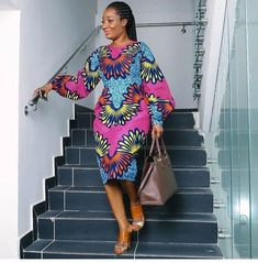 he creativity of African fashion designers brings thousands of Ankara styles to life. However, all lady want to look classical and unique in lovely Ankara maxi Ankara gown style. Ankara Short Gown Styles, Trendy Ankara Styles, Short Gowns, African Fashion Designers, African Print Fashion, Africa Fashion, African Print Dresses, African Fashion Dresses, African Dress