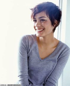 Love this cut. And this girl, whoever she is, is so freaking cute. If i could look like anyone...