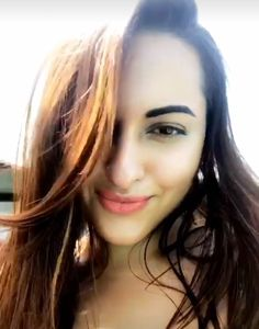 Sonakshi Sinha using Snapchat