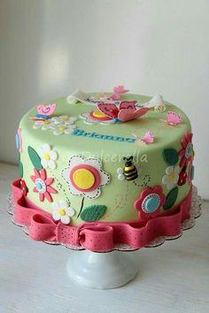 Double chocolate cake with white chocolate cream cheese buttercream and fresh raspberries Birthday Cakes Girls Kids, Butterfly Birthday Cakes, Butterfly Cakes, Cake Birthday, Pretty Cakes, Cute Cakes, Bolo Laura, Double Chocolate Cake, Chocolate Cream