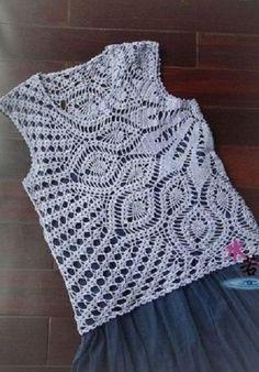 Fabulous Crochet a Little Black Crochet Dress Ideas. Georgeous Crochet a Little Black Crochet Dress Ideas. T-shirt Au Crochet, Crochet Woman, Filet Crochet, Crochet Baby, Crochet Tank Tops, Crochet Shirt, Crochet Cardigan, Black Crochet Dress, Pineapple Crochet