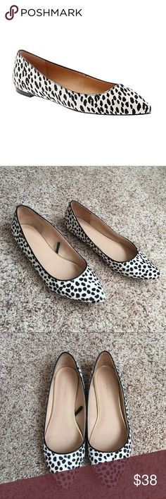 Authentic Banana Republic Fur Flat Shoes Authentic Banana Republic fur flat shoes! GORGEOUS 💕 Size 8. Very comfortable and in good condition. NO TRADE ❌ Banana Republic Shoes
