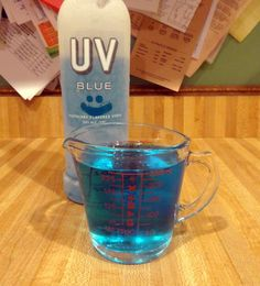 Measure 1 cup of vodka. Add an extra cup for stronger shots. Sprinkle Knox gelatin into the vodka. Let sit for 1 minute. Combine Jello, Kool Aid, and sugar in measuring cup. Skittle Vodka, Blueberry Upside Down Cake, Making Jello Shots, How To Make Jello, Cube Recipe, Jello Shot Recipes, Kool Aid, Glass Dishes, Alcoholic Drinks