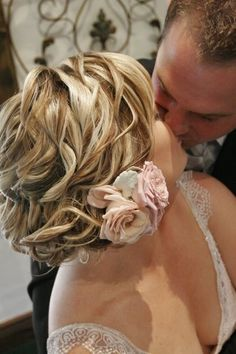 Wedding hair. Www.thatblondechick.com.au