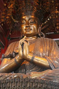 Buddha The Jingsi temple in Hangzhou, China. ♥ #bluedivagal, bluedivadesigns.wordpress.com