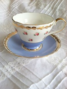 Something borrow, something blue.....vintage tea cup
