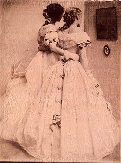 The Silhouette (Gerson Sisters),1906 byGertrude Käsebier