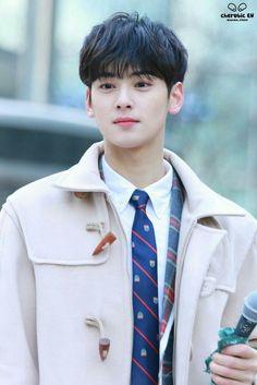 Eun woo is dat u Astro Eunwoo, Cha Eunwoo Astro, Korean Celebrities, Korean Actors, Kim Myungsoo, Lee Dong Min, Sanha, Kdrama Actors, Jiyong