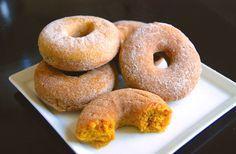 Pumpkin cinnamon baked doughnuts