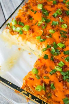 Loaded Mashed Potato Loaded Mashed Potato Casserole is a hearty side dish recipe perfect for holiday dinners. This mashed potato casserole is loaded with cheddar cheese bacon onions and crushed Ritz crackers. Rice Side Dishes, Potato Dishes, Side Dishes Easy, Side Dish Recipes, Easy Dinner Recipes, Food Dishes, Potato Recipes, Dinner Reciepes, Veggie Recipes
