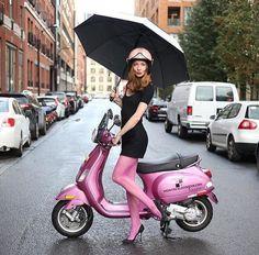 Piaggio Vespa, Lambretta Scooter, Vespa Scooters, Triumph Motorcycles, Ducati, Mopar, Motocross, Chicks On Bikes, Style Feminin