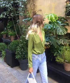 Vert #style#semplice#streetstyle#vert#green#saten#jeans#bag#bolso#casual#lessismore#inspo#inspiration#fashionblog#blog#blogger#vinnemico