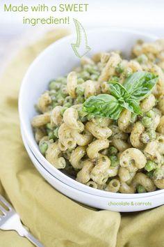 Green Pesto Pasta | chocolateandcarrots.com