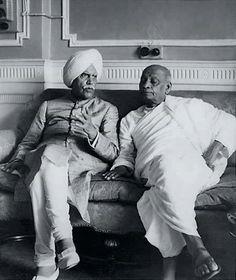 Maharaja jagatjit Singh of Kapurthala with Sardaar patel