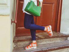 足を美しく魅せるサンダルたちをこの春の主役に | MYLOHAS